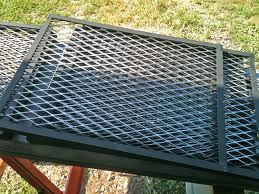 Cleaning cooking grates